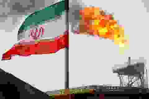 Báo Mỹ: Washington cân nhắc trừng phạt Trung Quốc vì mua dầu Iran