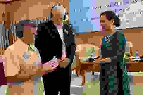 6 nhà hoạt động hòa bình Mỹ nhận Kỷ niệm chương của Việt Nam