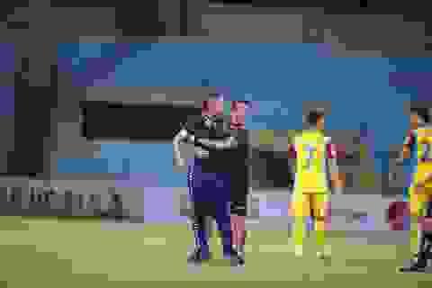 HLV CLB Hà Nội chỉ trích trọng tài sau trận hoà đội cuối bảng