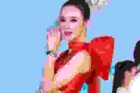 Angela Phương Trinh tái xuất rạng rỡ sau gần 1 năm im ắng