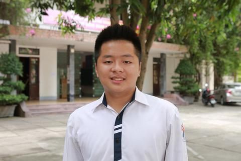 Điểm 10 Toán duy nhất của Nghệ An: Sát ngày thi vẫn... chơi điện tử