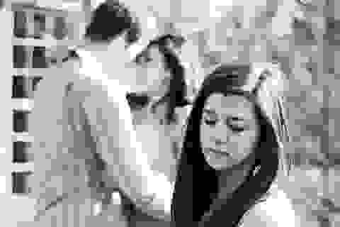 Liệu tôi có bị cắm sừng khi anh vừa chia tay tôi đã ôm hôn người khác?