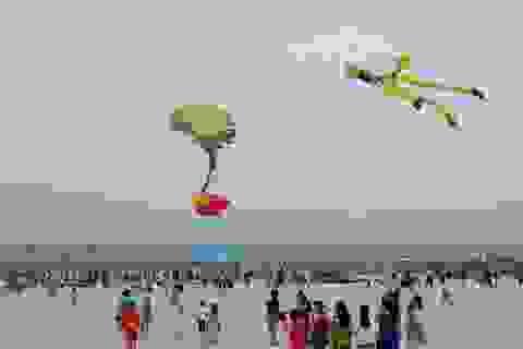Hàng loạt khu nghỉ dưỡng ven biển dựng công trình ở bãi cát công cộng