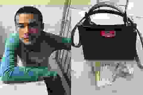 Trinh sát đuổi bắt tên cướp giật giữa trung tâm Sài Gòn