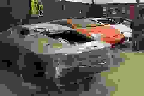 Cảnh sát đột kích một nhà máy sản xuất siêu xe Lamborghini và Ferrari giả cực tinh vi