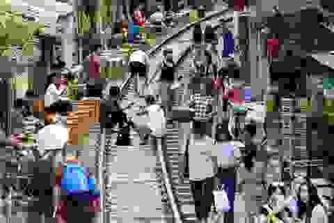 """""""Xóm đường tàu"""" lên đời thành điểm du lịch hấp dẫn ở Hà Nội"""