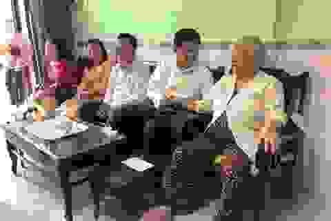 Cần Thơ: Gặp mặt và tặng quà 100 gia đình người có công