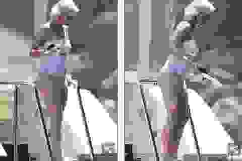 Katy Perry lộ dáng đẫy đà trên biển