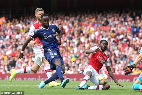 Arsenal bất ngờ thất bại ngay trên sân nhà trước Lyon