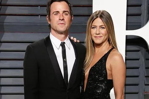 Jennifer Aniston và chồng cũ tái ngộ vì cún cưng