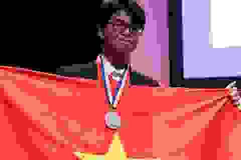 Chàng trai miền núi xuất sắc giành huy chương bạc Olympic Quốc tế