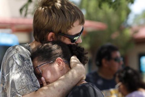 """29 người chết trong 2 vụ xả súng: Cuối tuần """"đẫm máu"""" của nước Mỹ"""