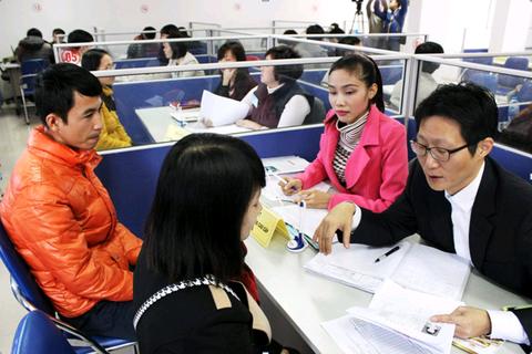 Tổ chức Hội chợ việc làm và cuộc thi người lao động EPS hồi hương thành công