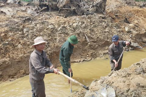 """Quảng Trị xả hồ thuỷ lợi cứu hơn 30.000 hộ dân đang """"khát"""" nước"""