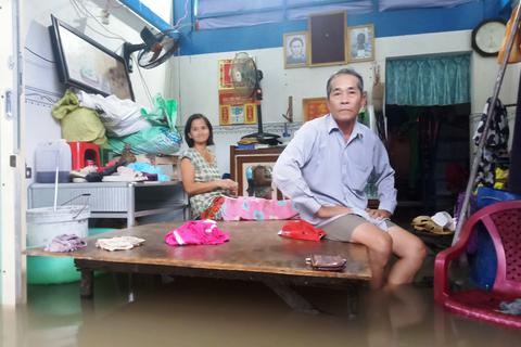 Hàng trăm hộ dân Phú Quốc căng mình sống chung với lũ giữa đảo khơi