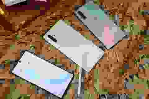 Cận cảnh bộ đôi Galaxy Note10 thiết kế hoàn toàn mới vừa ra mắt