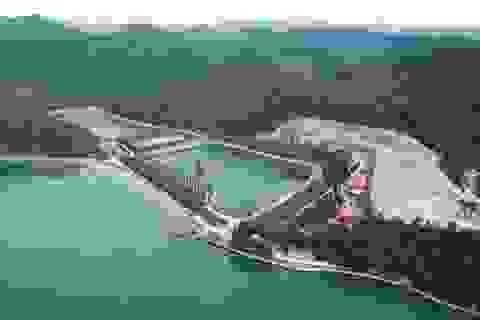 """Thêm một công trình trái phép """"khủng""""lộ diện trên vịnh Bái Tử Long"""
