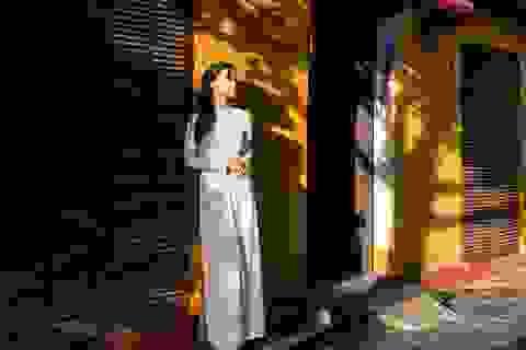 Đồng Lan gây ấn tượng với ca khúc tặng mẹ ngày lễ Vu lan