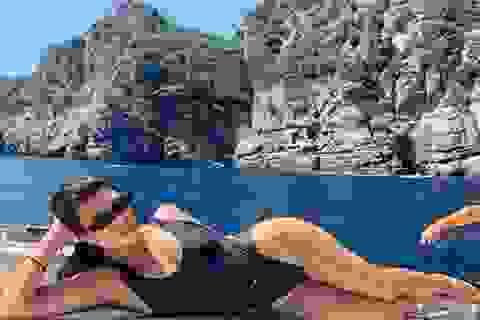Kourtney Kardashian liên tục tung ảnh gợi cảm