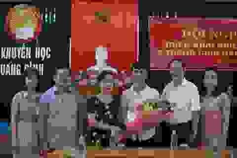Quảng Bình: Khen thưởng nam sinh giành 2 điểm 10 Lịch sử và Địa lý