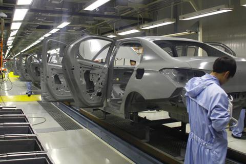 Hai nhà máy ô tô ở Trung Quốc phải đóng cửa vì doanh số liên tục giảm