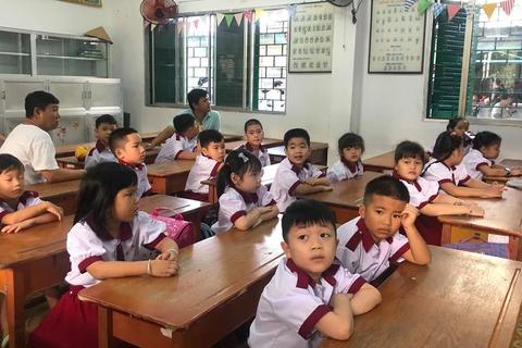 Sáng nay, 1,4 triệu học sinh TPHCM chính thức tựu trường