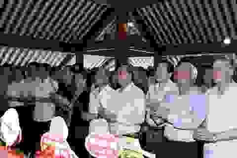 Thủ tướng, Chủ tịch Quốc hội dâng hương tưởng niệm Chủ tịch Hồ Chí Minh