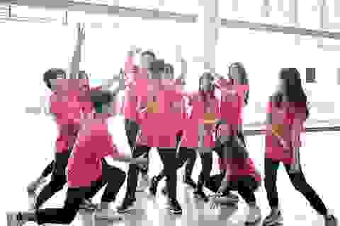Top 10 Đại sứ trường Ams cùng nhảy flashmob đón tân binh
