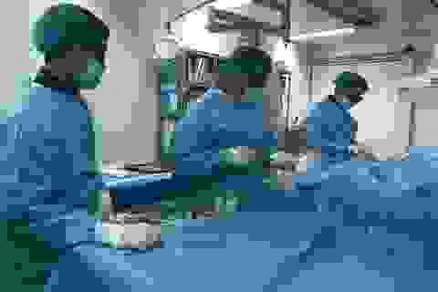 Cứu sống bệnh nhân người nước ngoài bị nhồi máu cơ tim cấp, đe dọa tính mạng