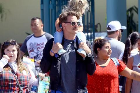 Bradley Cooper đưa con gái nhỏ đi chơi cuối tuần