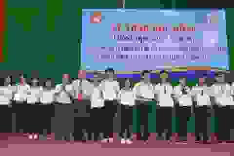 Trao học bổng Lương Định Của cho học sinh, sinh viên nghèo hiếu học