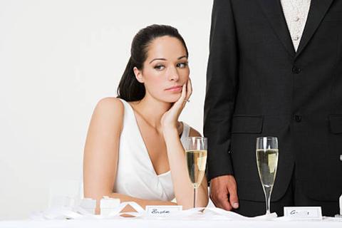 Gái tham vọng lấy chồng an phận - sớm hối hận vì nghe theo sắp đặt của gia đình