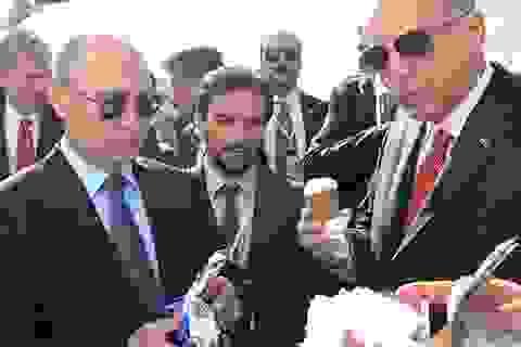Ông Putin mua kem đãi Tổng thống Thổ Nhĩ Kỳ