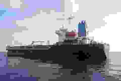 """Gian nan """"cuộc chiến"""" chống buôn lậu xăng dầu"""