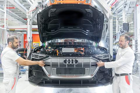 Audi cũng phải tìm đến Trung Quốc để mua pin cho xe chạy điện