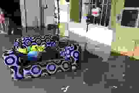 Mưa lớn, nhiều nhà dân bị ngập lụt