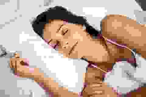 Ngủ quá nhiều hoặc quá ít làm tăng nguy cơ đau tim