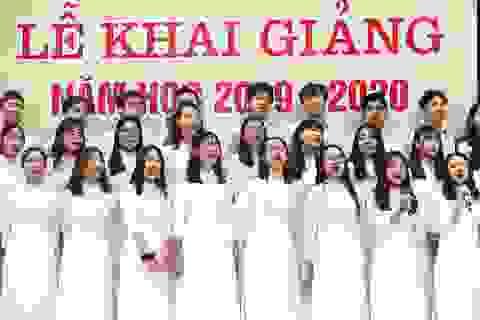 Trường THPT Chu Văn An công bố chứng nhận ID Trường thành viên Cambridge trong lễ khai giảng