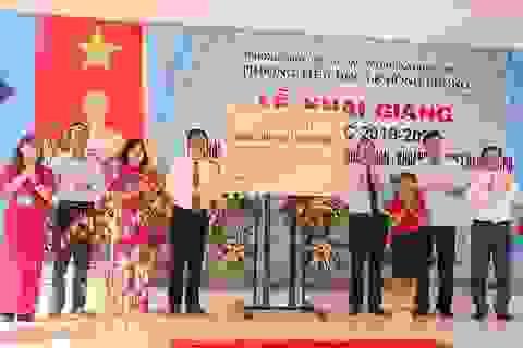 TKV giúp đỡ khánh thành 3 trường tiểu học nhân dịp năm học mới