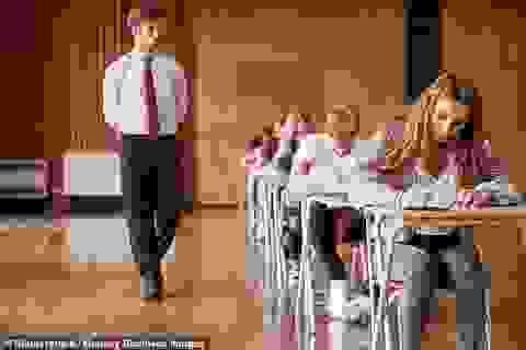 Học sinh nữ có xu hướng làm bài thi dài hơn hai tiếng tốt hơn học sinh nam