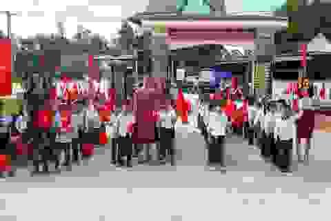 Hà Tĩnh: Nhiều trường học vùng lũ vẫn chưa thể khai giảng
