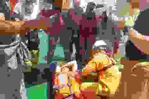 Cấp cứu kịp thời thuyền viên tàu nước ngoài bị tai biến trên vùng biển Hoàng Sa