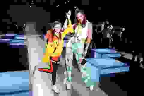 Alessandra Ambrosio đưa con gái xinh đẹp đi xem thời trang