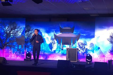 Việt kiều thi hát trên quê hương Chopin