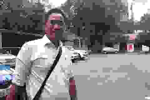 Chuyên viên Văn phòng UBND TPHCM thua kiện