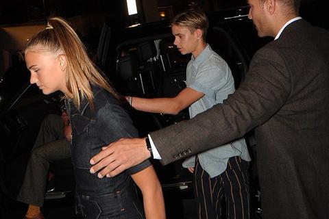Romeo Beckham đã có bạn gái