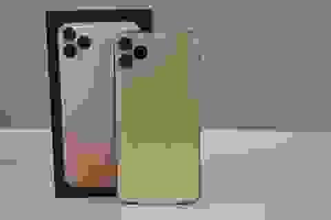 """""""Đập hộp"""" iPhone 11 Pro Max đầu tiên tại Việt Nam, giá 100 triệu đồng"""