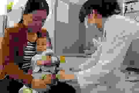 TPHCM: Bắt buộc tiêm vắc xin sởi khi trẻ 9 tháng tuổi