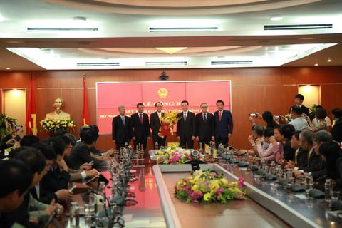 Bộ Thông tin và Truyền thông công bố quyết định bổ nhiệm cho Tân Thứ trưởng Phạm Anh Tuấn
