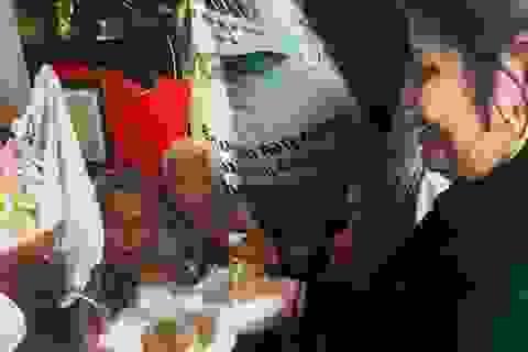 Tuổi 90, cựu nhân viên sân bay Tân Sơn Nhất sống cảnh eo hẹp trong căn nhà gần 2m2